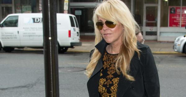 Dina Lohan, Lindsey Lohan's mother, pleads guilty to ...