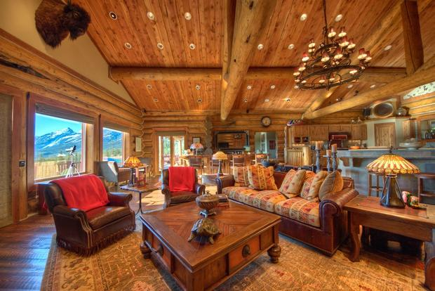 10 Luxurious Log Cabins On The Market