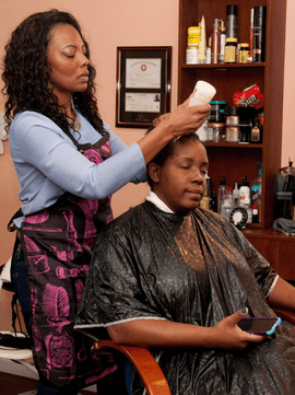 Formerly Homeless Hairdresser Gives Free Makeovers To