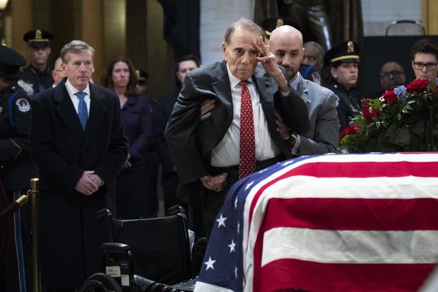 Washington DC in Trauer um den späten Präsidenten George H.W. Buchse