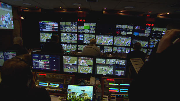 video-truck-control-room-for-nfl-football-broadcast-cbs-620.jpg