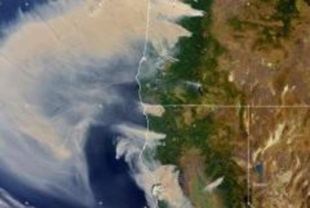 california-oregon-wildfires-smoke-cloud-seen-from-space-090820.jpg