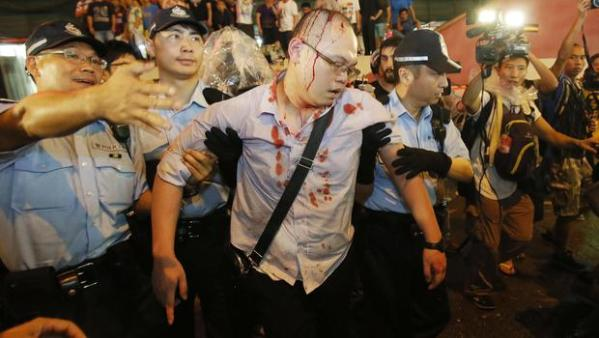 Hong Kong protesters shelve talks with government - CBS News