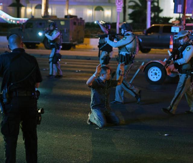 Las Vegas Shooting Las Vegas Shooting Near Mandalay Bay Leaves Dead At Country Music Festival Pictures Cbs News