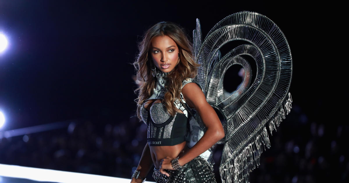 Jasmine Tookes   2017 Victoria s Secret Fashion Show   Pictures     Jasmine Tookes   2017 Victoria s Secret Fashion Show   Pictures   CBS News