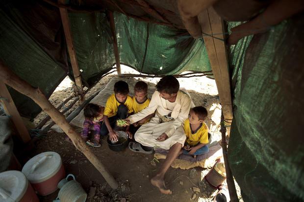 Yemen Displaced into Hunger Photo Essay