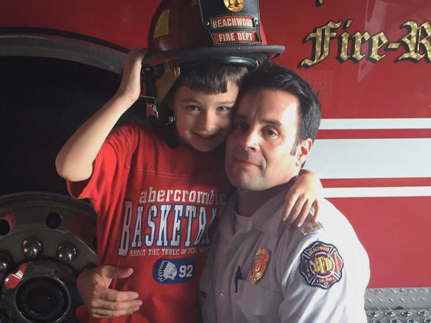 firefighter-mike-palumbo-and-his-son-nicholas.jpg