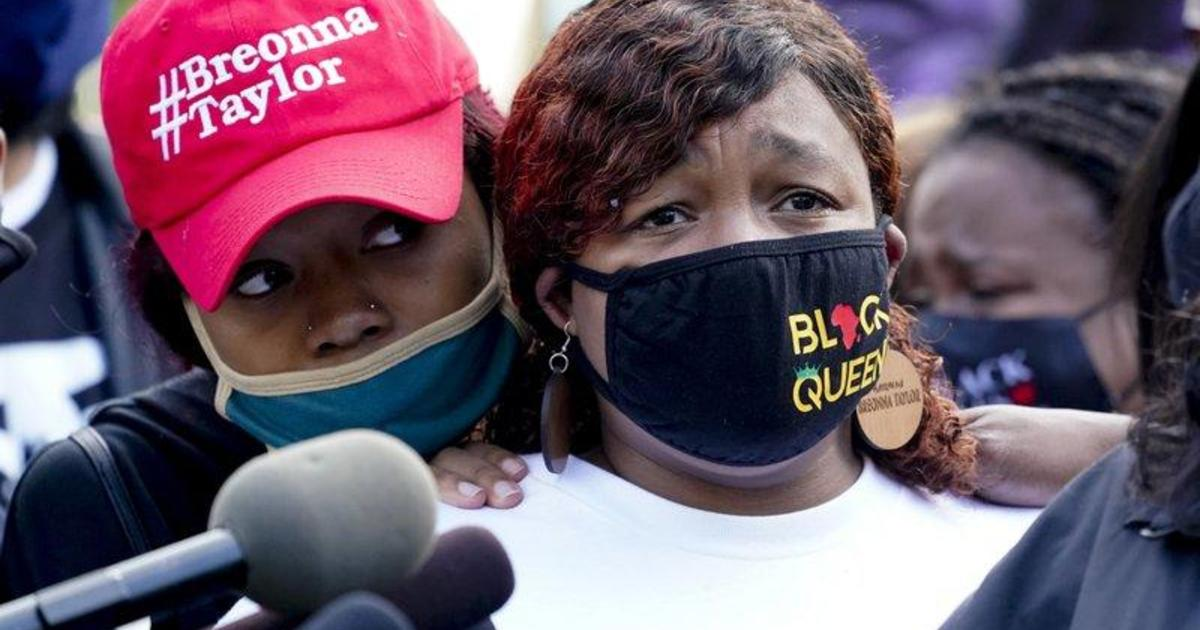Breonna Taylor's Mother Speaks At Rally Honoring Her Memory 3/13/21