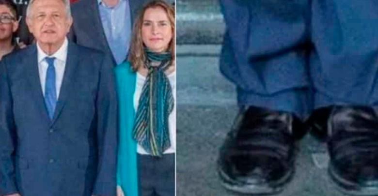 Periodista critica zapatos de AMLO y lo tunden en redes sociales