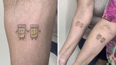 Abuelitas se tatúan unas cervezas para celebrar su amistad