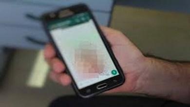 Photo of Mujer se encuentra un celular, descubre que el propietario le era infiel a su esposa; le llama para contarle