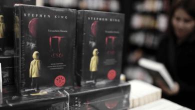 Darán mil 300 dólares a quien vea 13 películas de Stephen King antes de Halloween