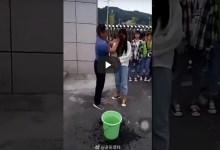 Video: Maestro desmaquilla a alumnas y se vuelve viral