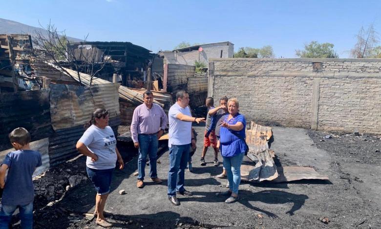 Entrega Sedesoh apoyos a familias afectadas por incendio en Presa de los Reyes