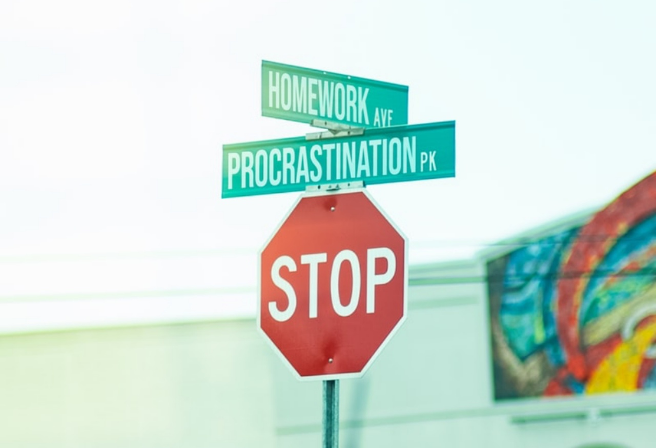 Procrastination Signs