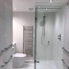 Apartment Shower Laundry Room – Cambridge