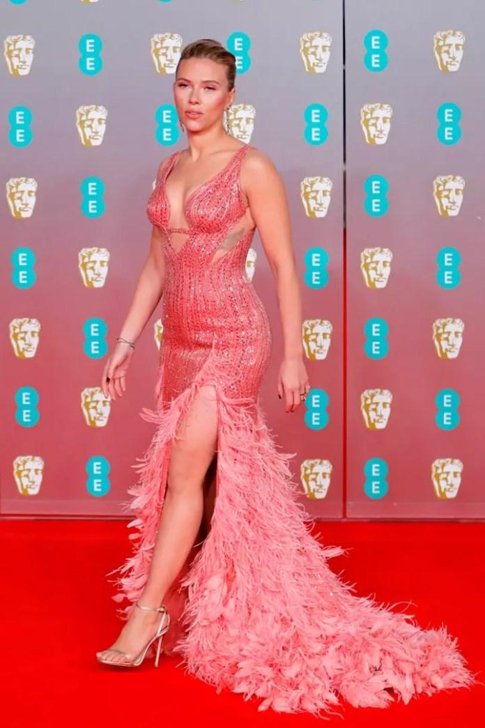 Scarlett Johansson-parade on the red carpet