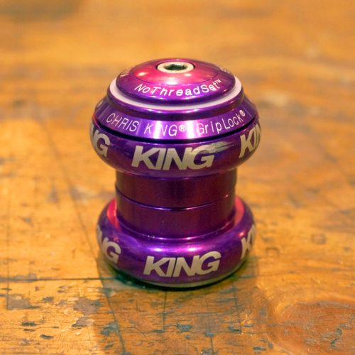 *新入荷情報「CHRIS KING 1-1/8″ NoThreadSet Violet」