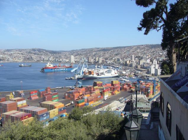 Foto.Valparaiso_Port_(Chile)_-_new.bing (3)