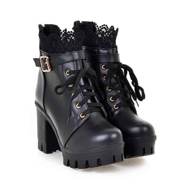 Botas Martens con cordones, tacones altos y tacones gruesos negro