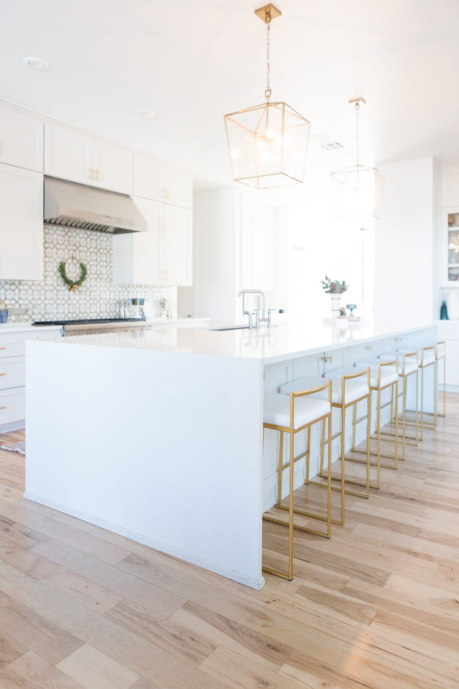 10 Affordable Gold Bar Stools For Home Design Cc And Mike Lifestyle And Design Blog