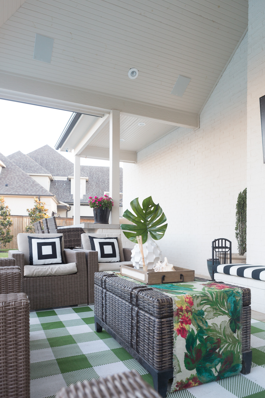 How to Design a Beautiful Pool and Outdoor Living Area ... on Cc Outdoor Living id=77413