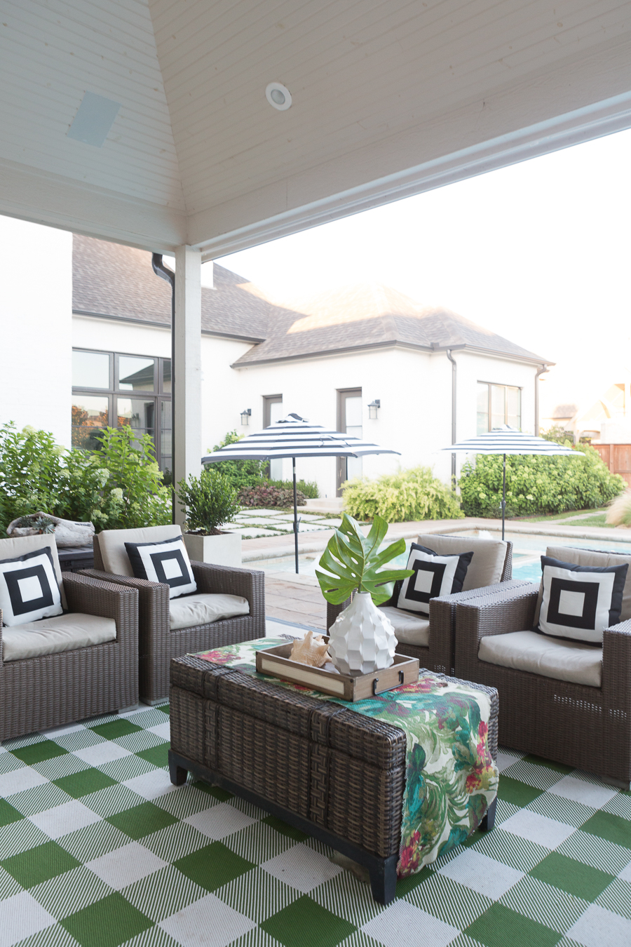 How to Design a Beautiful Pool and Outdoor Living Area ... on Cc Outdoor Living id=78716