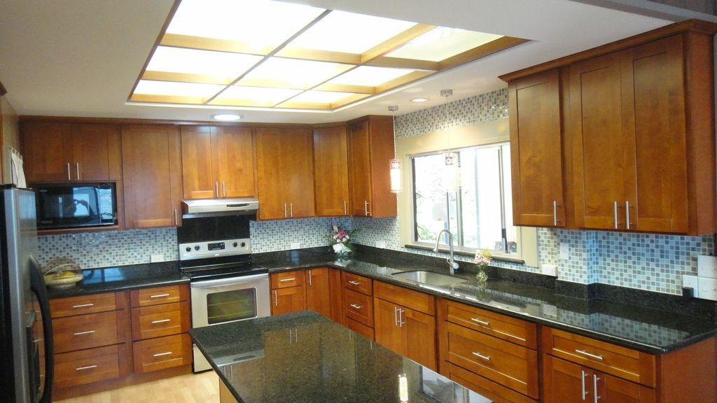 Light Cherry C Amp C Cabinets And Granite