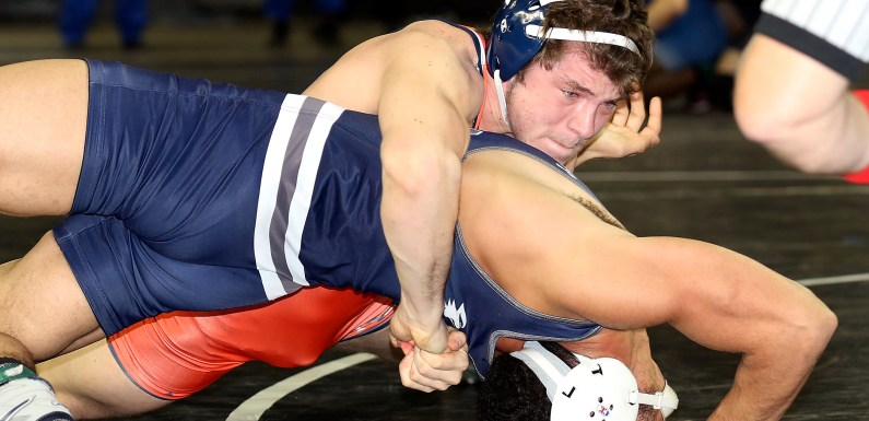 Nassau wrestlers win national title