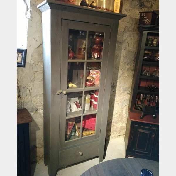 8-Lite Cabinet