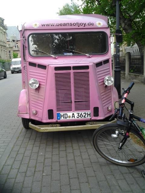 Cute pink ice cream car!