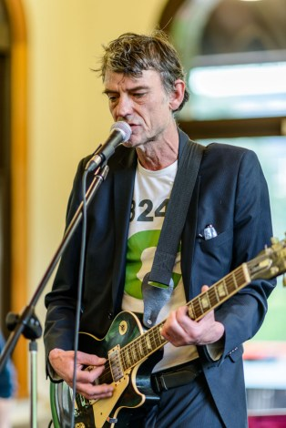 Graeme Downes (The Verlaines) at the book launch gig of The Dunedin Sound, 17 November 2016 at The University of Otago (Photo: John Collie)
