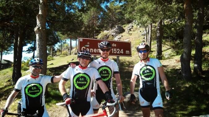 El Club Ciclista Lucero en el puerto de Canencia