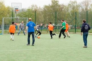 tournoi de foot des secondaires (Mr Arnaud au goal)