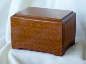 0713-WoodUrn-1000px