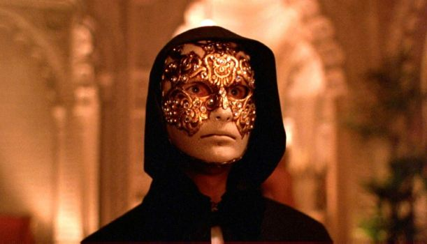 Eyes Wide Shut : ƒ(✍️) = art et dramaturgie