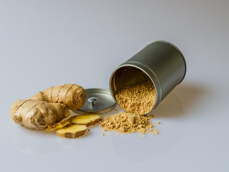 Ginger root and powder