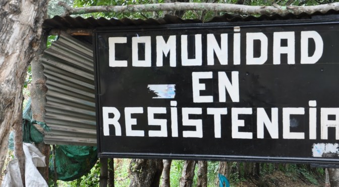 sign reading - comunidad en resistencia