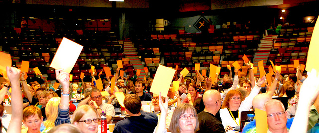 Voting at General Council (photo: www.gc42.ca)