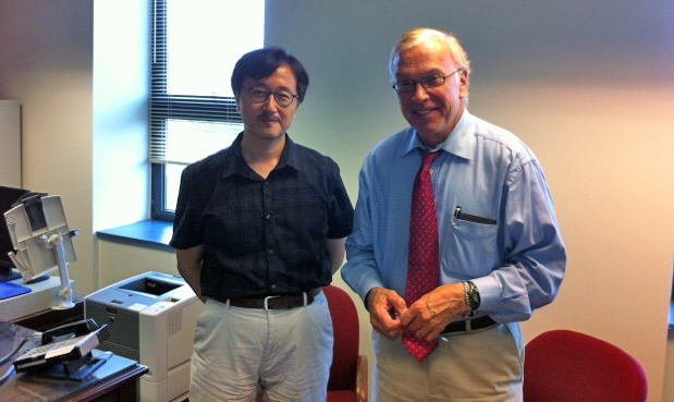International Philanthropy Fellow, Tatsuaki Kobayashi (L) with Center Director Lester Salamon.