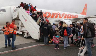 avión_Conviasa