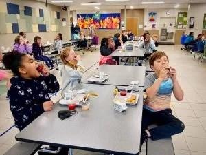 apple pilgrim lane school lunch