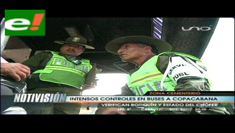 Tránsito patrulla camino a Copacabana
