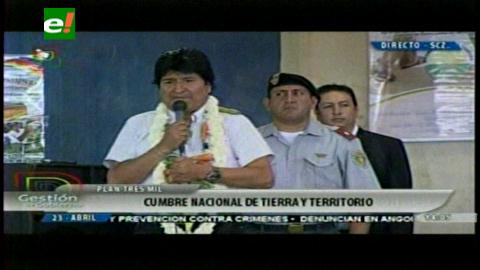 Evo llama a campesinos a fortalecer el papel productor de Bolivia y exportar alimentos