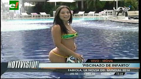 """""""Piscinazo"""" de infarto de la novia del Mundial Fabiola Martínez"""