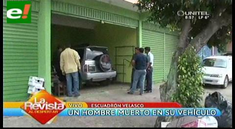 Encuentran hombre muerto en su vehículo