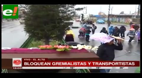 Gremialistas se unen a los bloqueos de los transportistas en El Alto