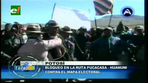 Comunarios bloquean carreteras en el norte de Potosí, piden ajustes en mapa electoral