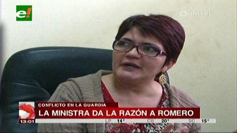 La Guardia: Ministra Peña pide a los pobladores reconocer a Romero como su alcalde