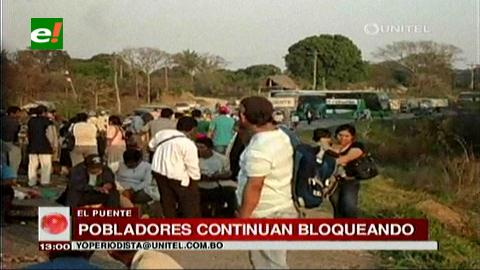 El Puente mantiene bloqueo en ruta a Beni para exigir obras